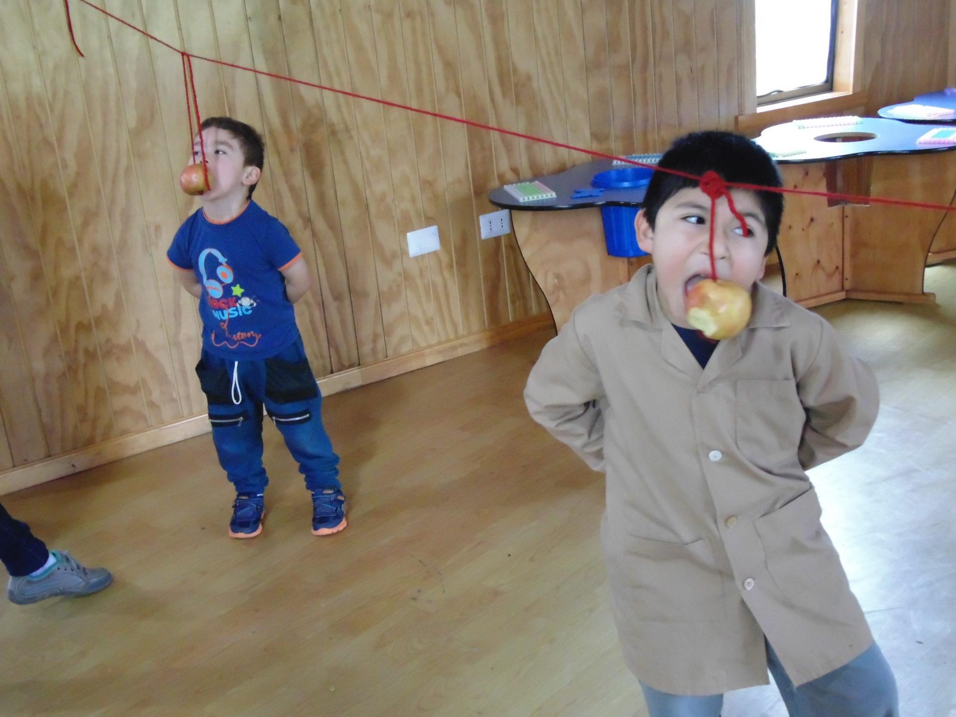 Con Juegos Ninos Celebran Su Dia Escuela Nido De Cisnes